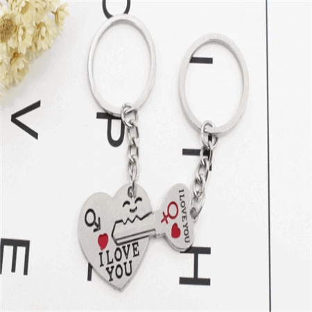 hot personalized couple keychain love keychains low minimum wholesale in China