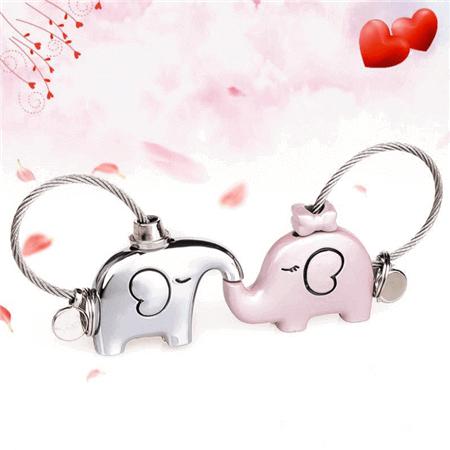 kissing elephants keychain
