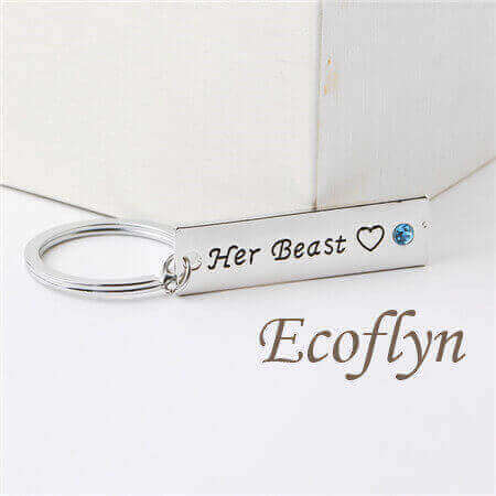 personalised keychains for couples his beauty her beast keychain low minimum wholesale in China